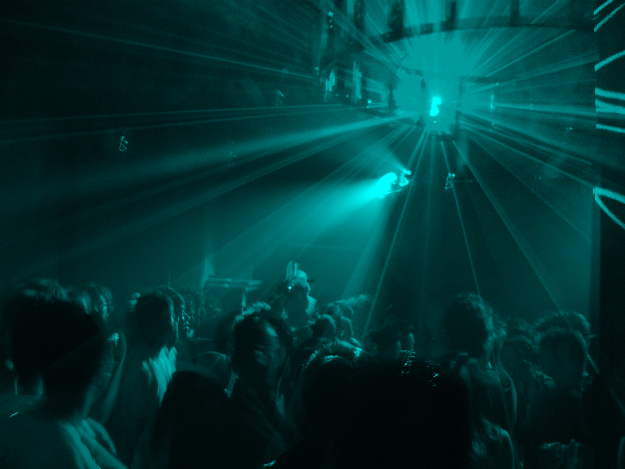 What Exactly is the Infamous Rave Culture? Origin and History