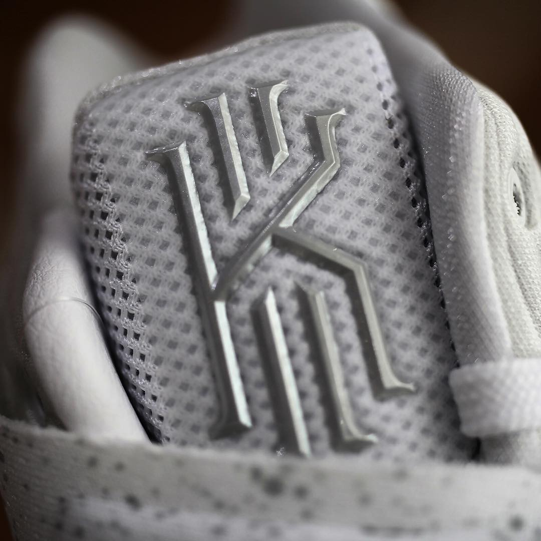 Nike Kyrie 2 Silver Speckle Tongue Detail 819583-107