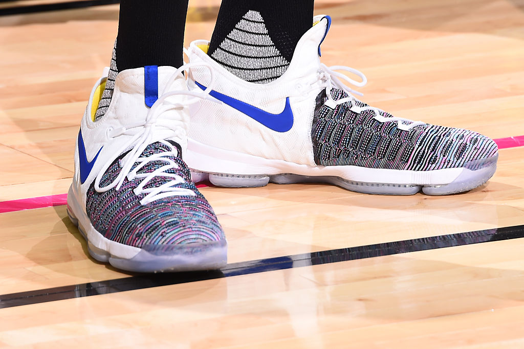 newest b5733 d0fa5 Kevin Durant Wears Nike KD 9 Warriors Multicolor | Sole ...