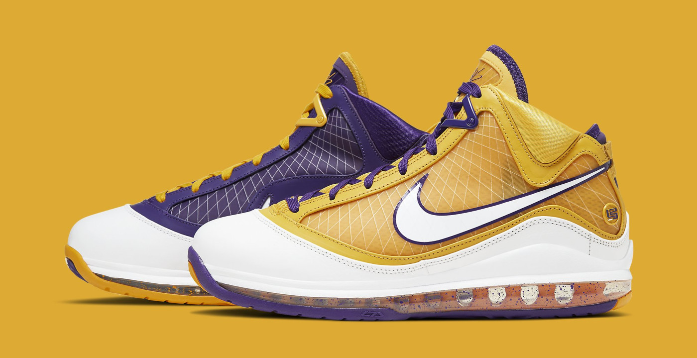 Nike LeBron 7 'Lakers' CW2300-500 Lateral