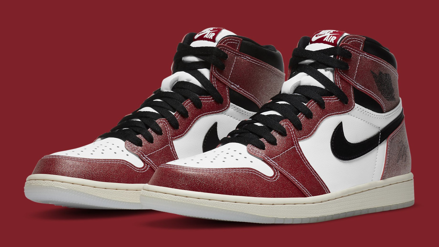 Trophy Room x Air Jordan 1 Release Date DA2728-100 Pair
