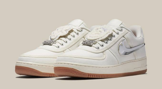 Travis Scott x Nike Air Force 1 Low 'Sail' AQ4211-101 (Pair)