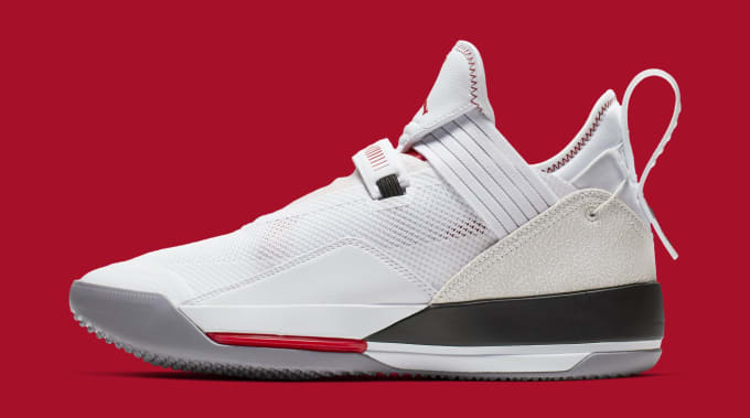 info for 69c60 99505 Air Jordan 33 Low SE CD9560-106 (Lateral). Image via Nike