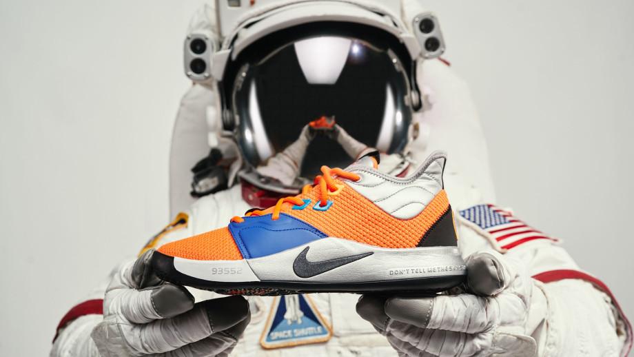 Nike PG 3 NASA Release Date CI2666-800 Astronaut Hands