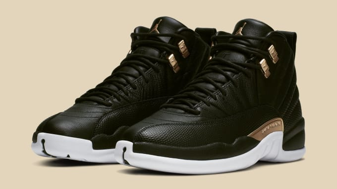 81e1895b083275 WMNS Air Jordan 12  Black Metallic Gold-White  AO6068-007 (