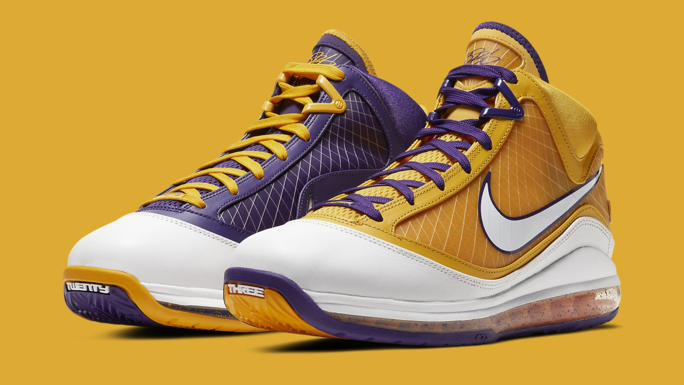Nike LeBron 7 'Lakers' CW2300-500 Pair