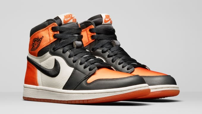 57b1a15ff608 Air Jordan 1 Satin  Shattered Backboard  AV3725-010 (Pair ...