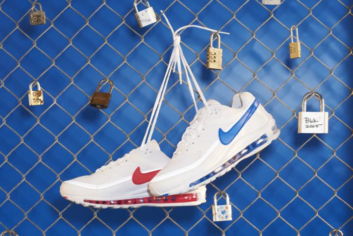 741e60f7b4 Weekend Sneaker Release Guide 5/15/18 | Complex