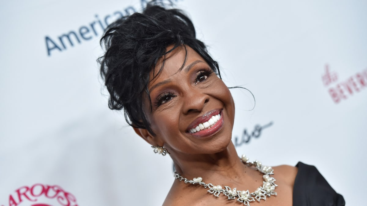 Gladys Knight Criticizes Colin Kaepernick Before Her Super Bowl National Anthem Performance
