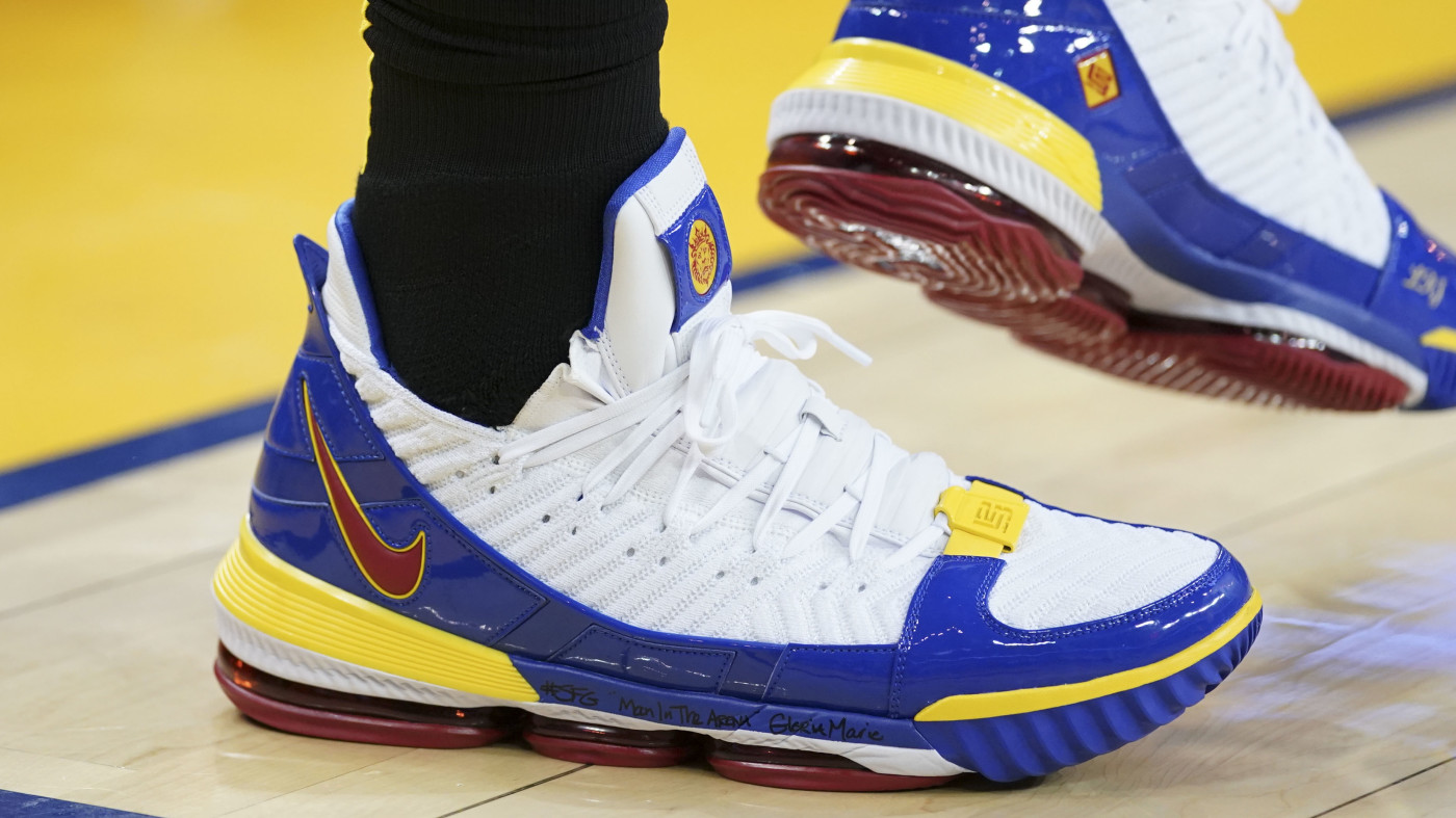 Nba Christmas Shoes Best Sneakers Worn On Christmas Day 2018 Complex