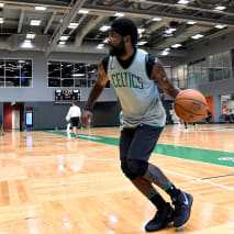Kyrie Irving Wearing the Nike Kyrie 5