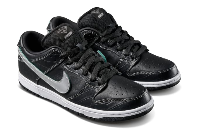 Diamond Supply Co. x Nike SB Dunk Low  Black  (Pair ... 532ff56f7