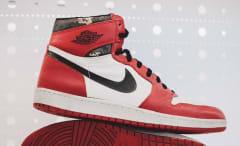 Michael Jordan Original Shattered Backboard Air Jordan 1 Side