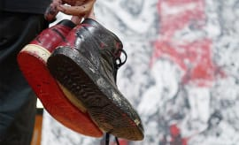 Artist Paints Michael Jordan with Air Jordans (4)