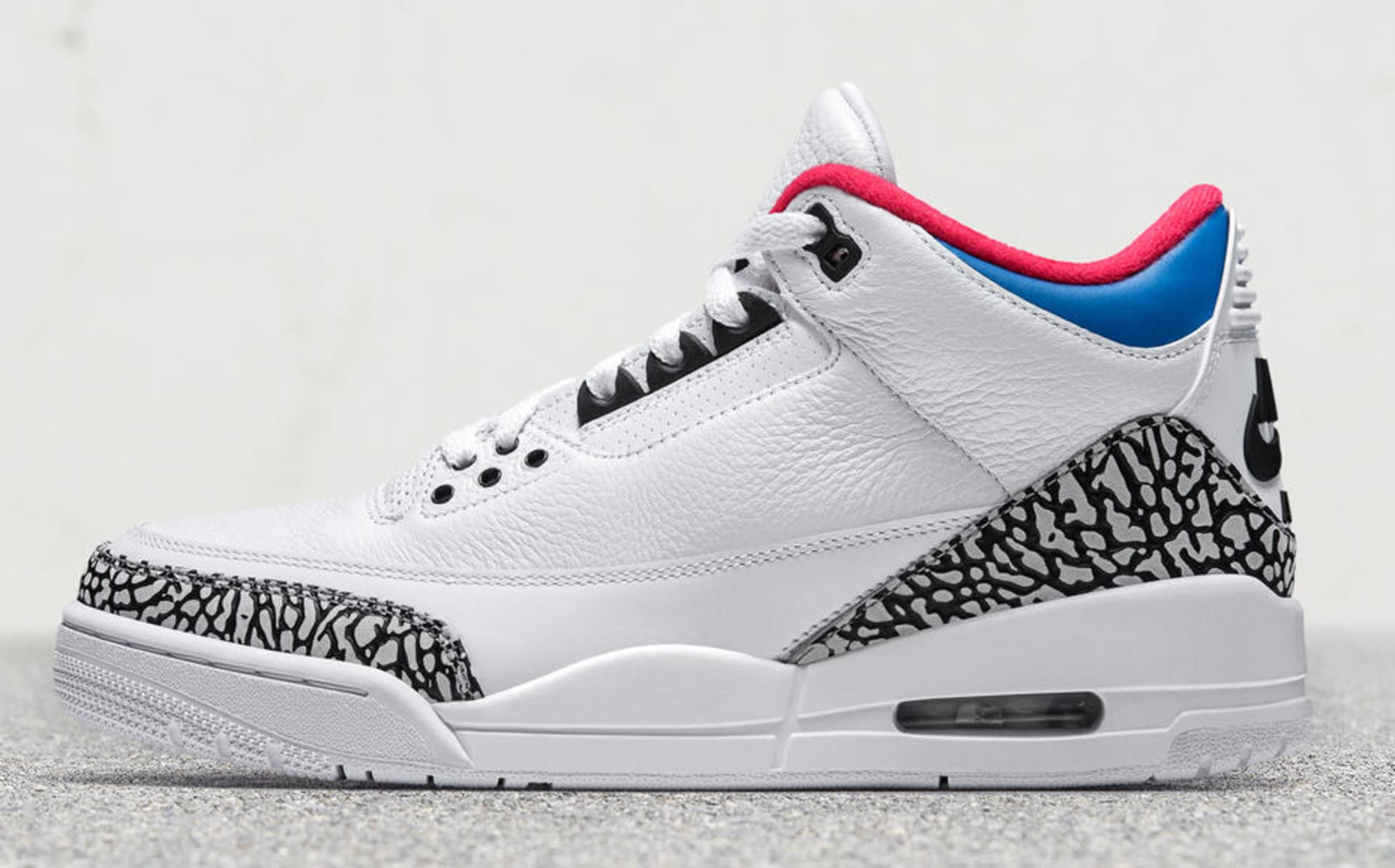 purchase cheap 299f3 8e203 Air Jordan 3  Seoul  (Lateral). Image via Nike
