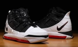 quality design 6f127 30e1d The Nike Zoom LeBron 3  Home  Is Almost Here