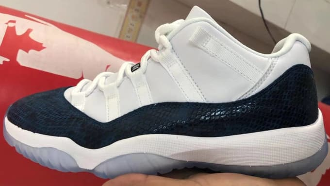 a0edd50cf3e30a Air Jordan 11 Low  Snakeskin Navy Blue  CD6846-102 (Lateral). Image via  2muchsol3