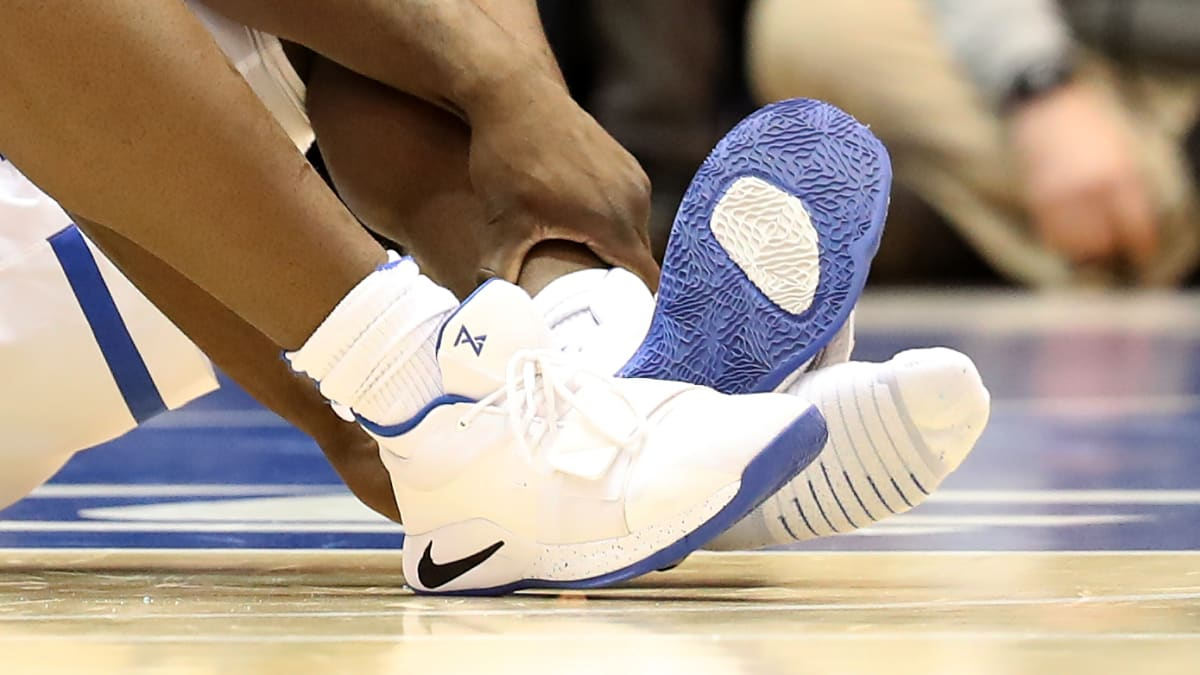 2834f3e14f7 Zion Williamson Blows Out Sneakers Twitter Reacts