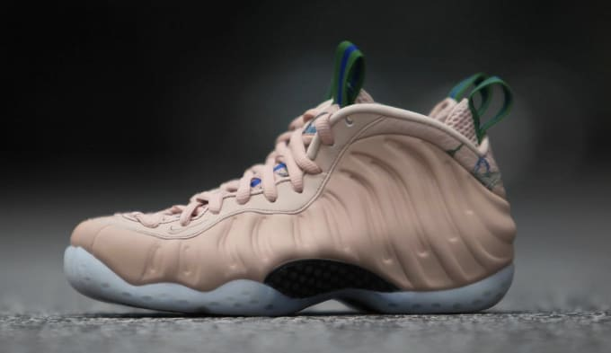 b997ef4d900 WMNS Nike Air Foamposite One  Particle Beige