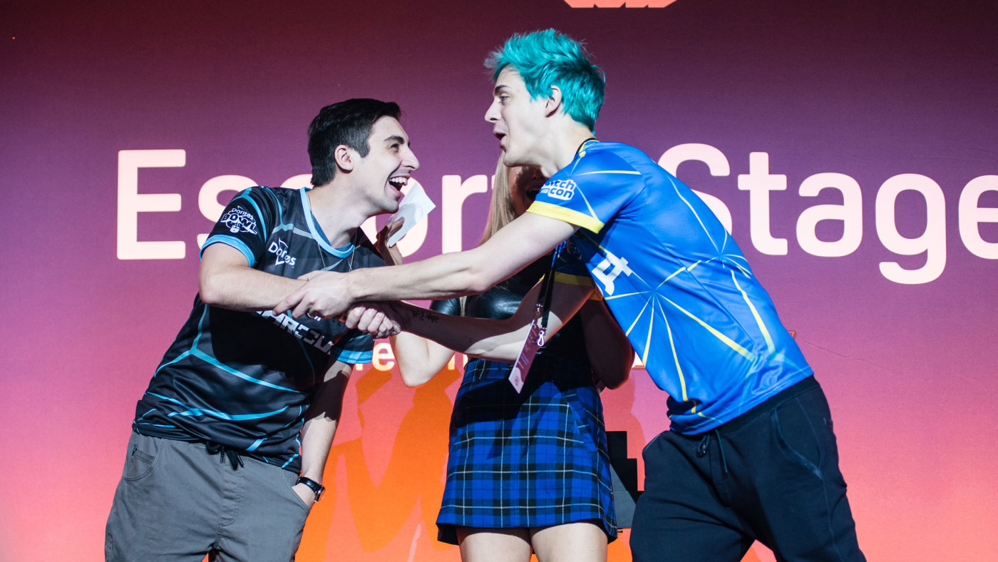 Ninja and Shroud shake hands.