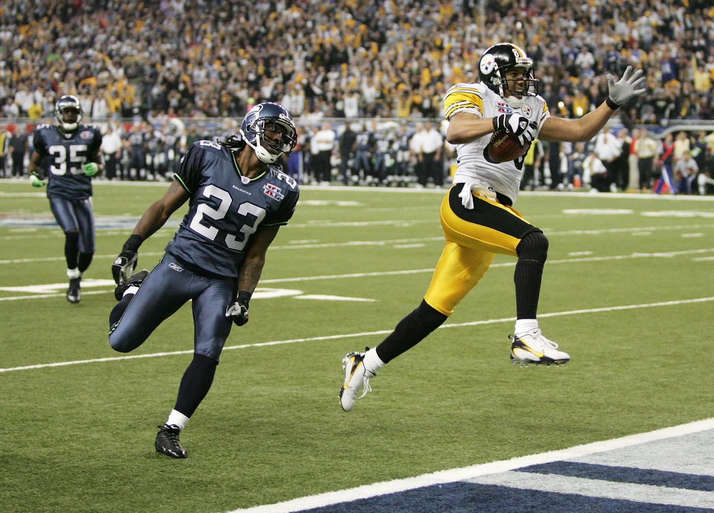 Hines Ward scores a touchdown in Super Bowl XL