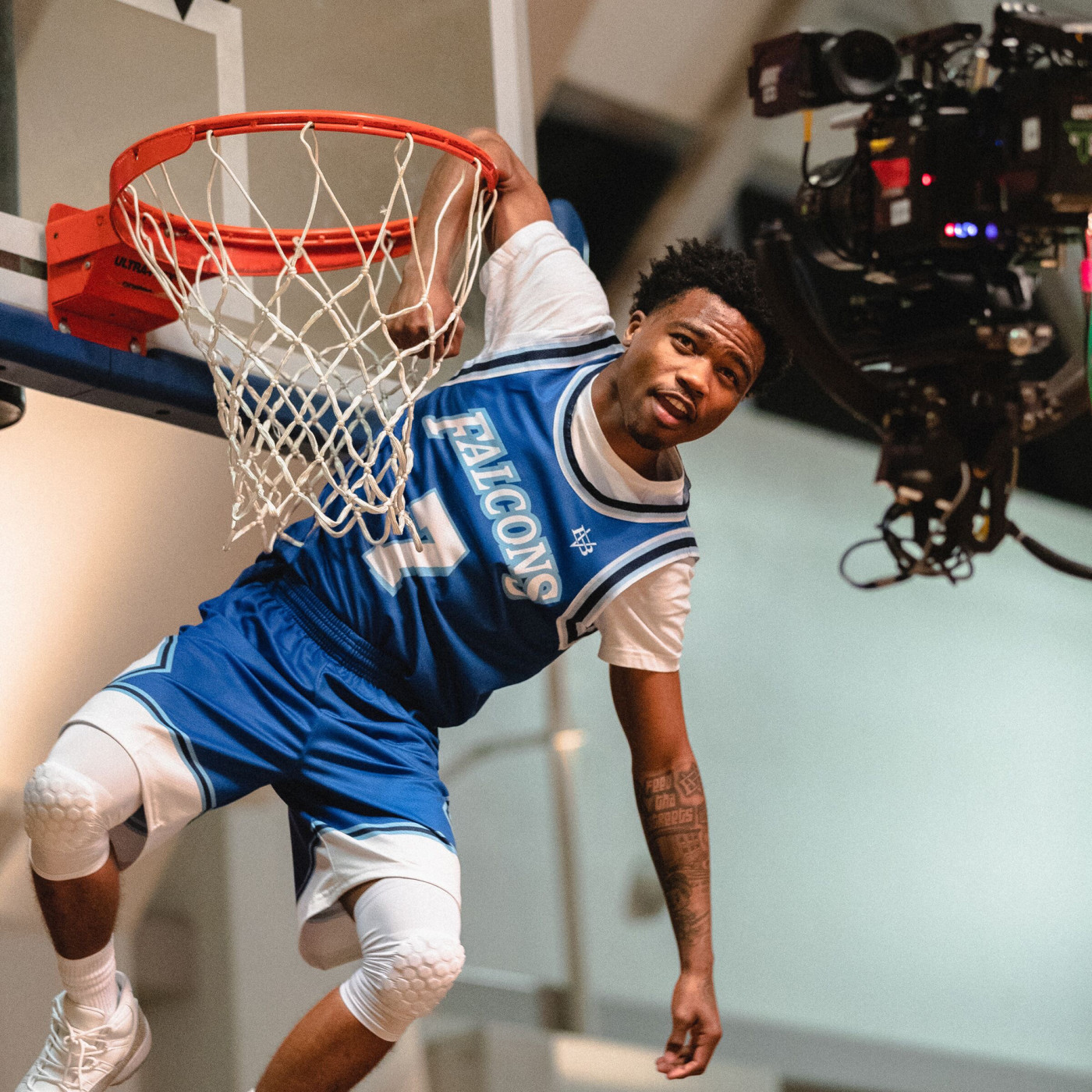 """Behind the Scenes of Roddy Ricch's """"The Box"""" Music Video"""