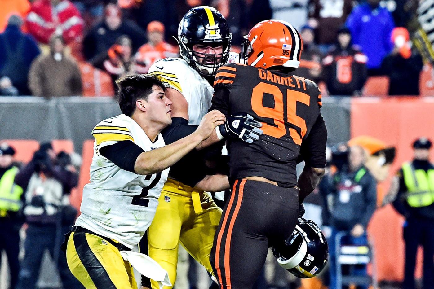 Myles Garrett Mason Rudolph Browns Steelers 2 2019