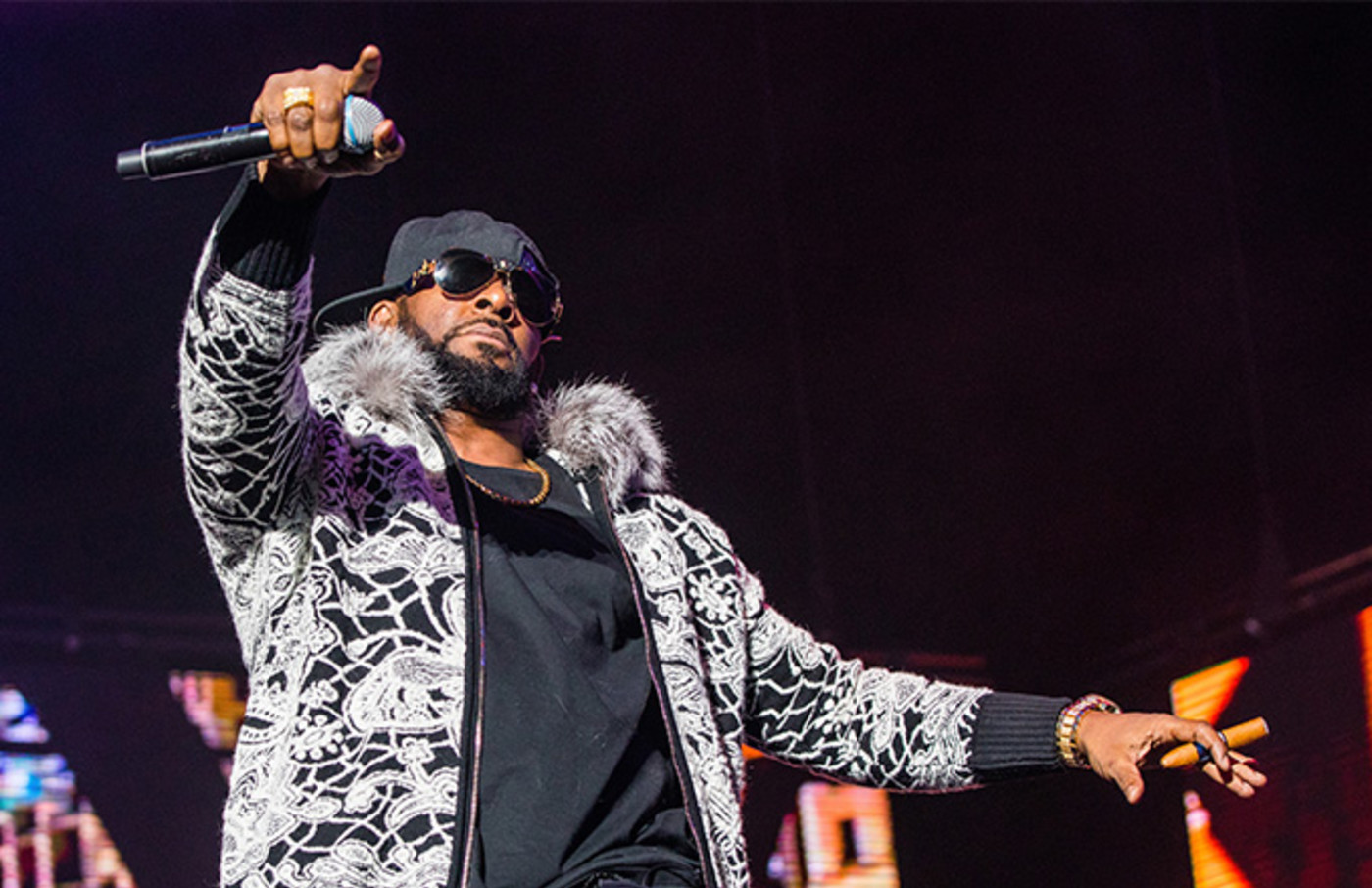 This is a photo of R Kelly.