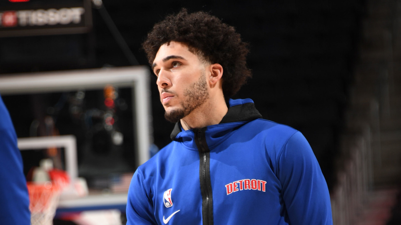 LiAngelo Ball warms up before a preseason game with the Pistons.