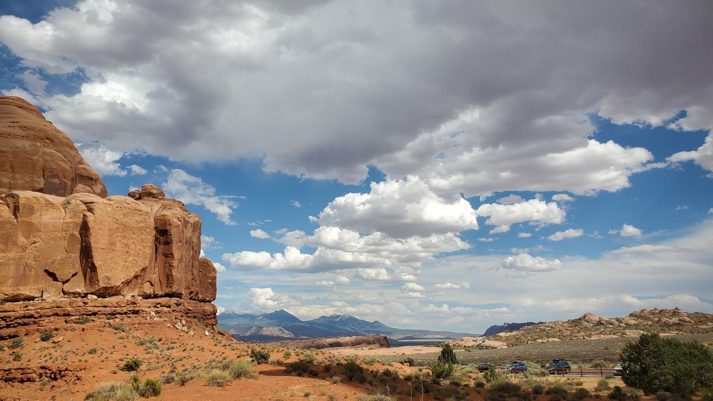 11+ Monolith Utah Desert