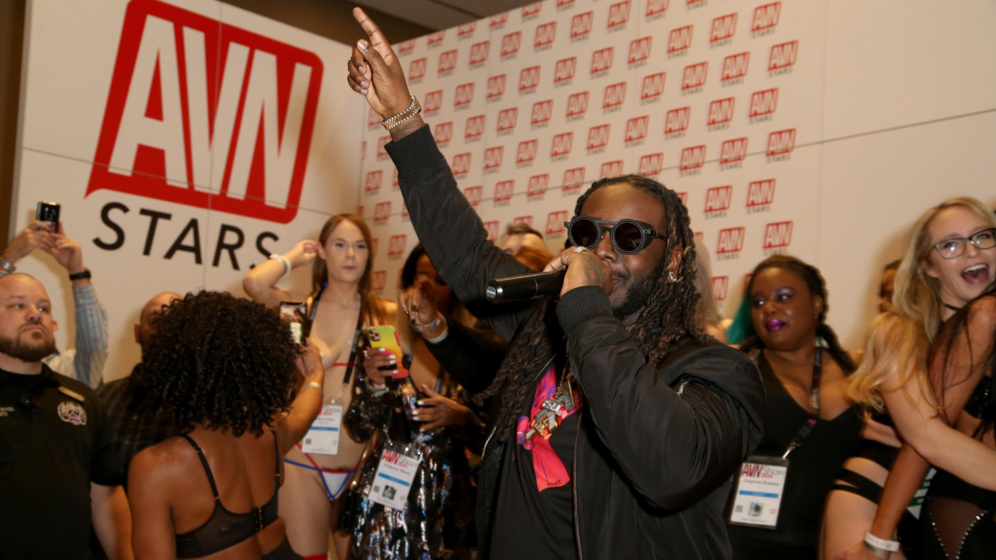T-Pain Says He Bought 'F*ck T-Pain' Website and Flipped It Into a Merch  Shop | Complex
