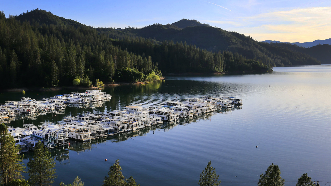 ponzi-scheme-lake