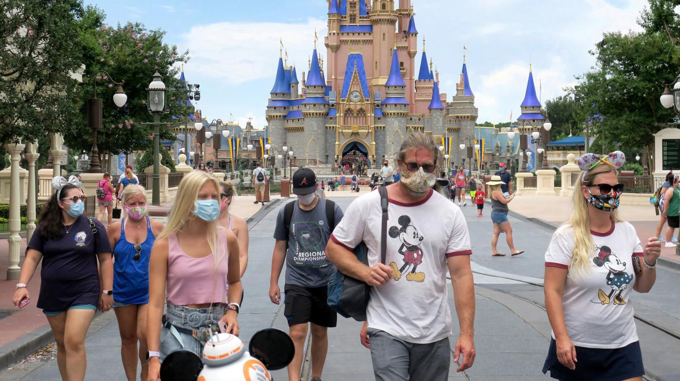 Disneygoers during pandemic