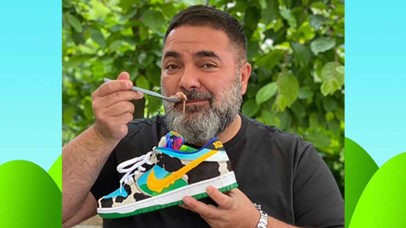 Hikmet Sugoer Eating Ice Cream Out of Nike SB Dunk