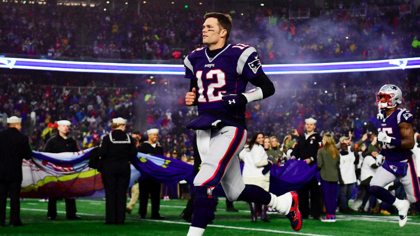 Tom Brady #12 of the New England Patriots