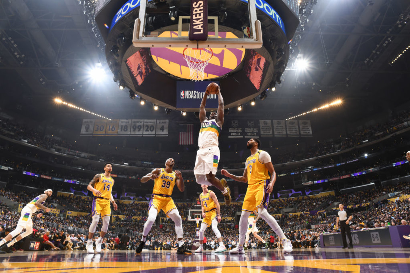 Zion Williamson Wide Angle Getty Lakers Pelicans 2020
