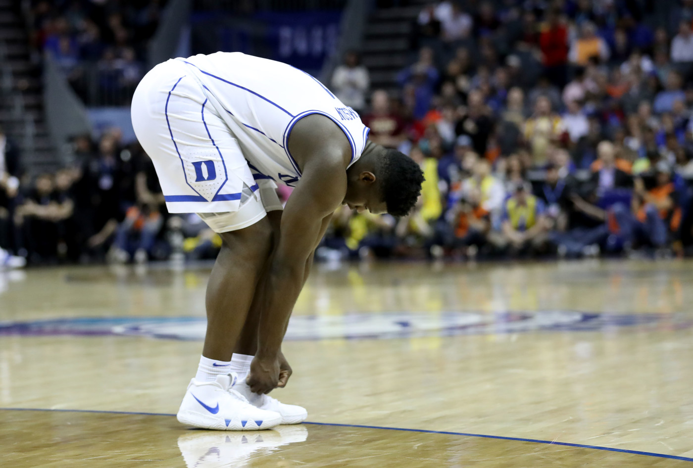 Zion Williamson Laces Up Nikes
