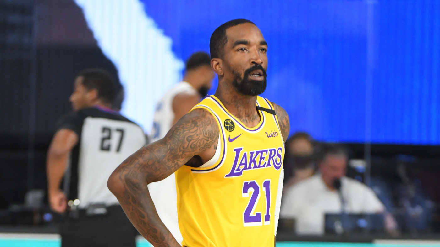 JR Smith #21 of the Los Angeles Lakers