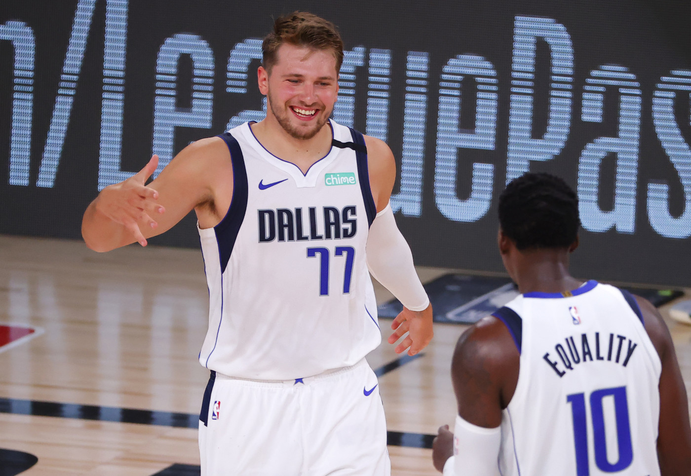 Luke Doncic Dorian Finney-Smith Mavericks Bucks Bubble 2020