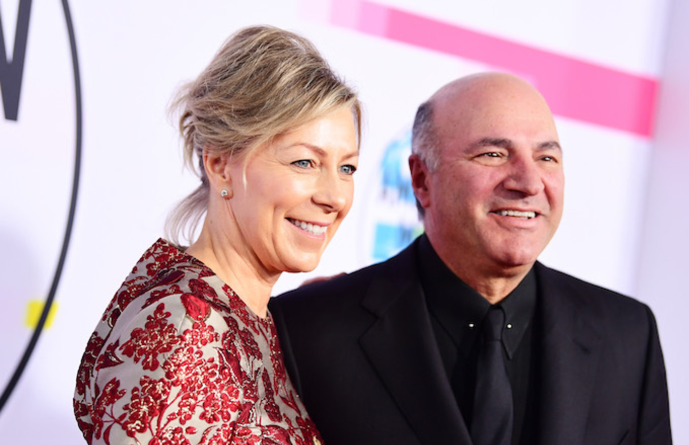 Linda O'Leary and Kevin O'Leary attend the 2017 American Music Awards.