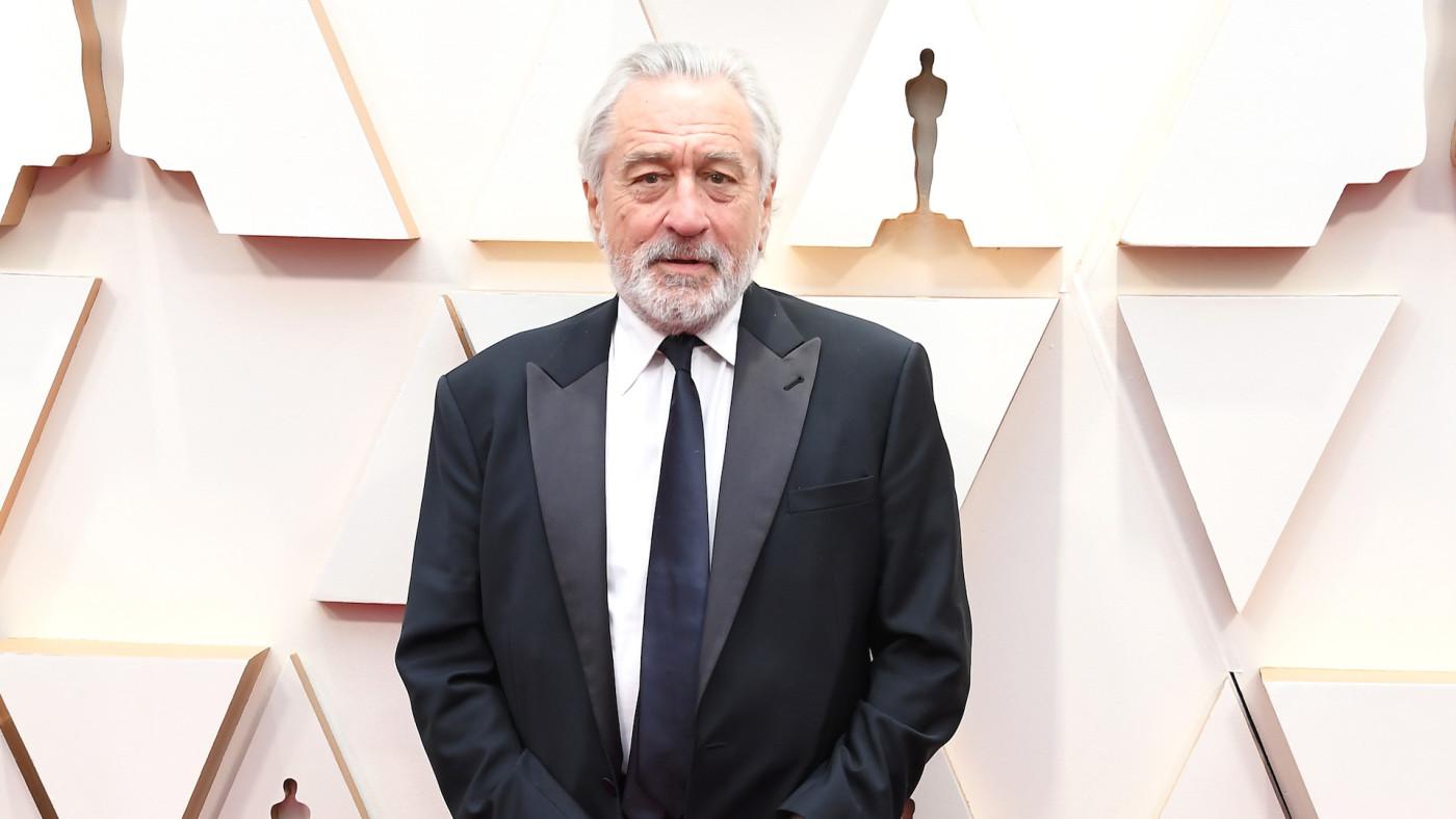 Robert De Niro arrives at the 92nd Annual Academy Awards