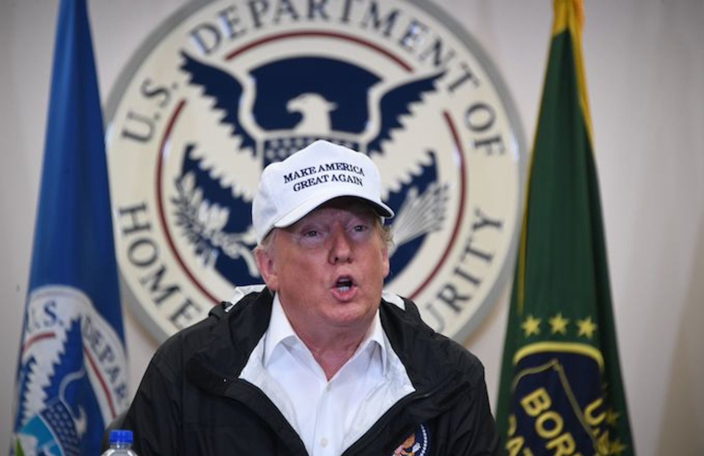 Trump travels to the US-Mexico border as part of his all-out offensive .