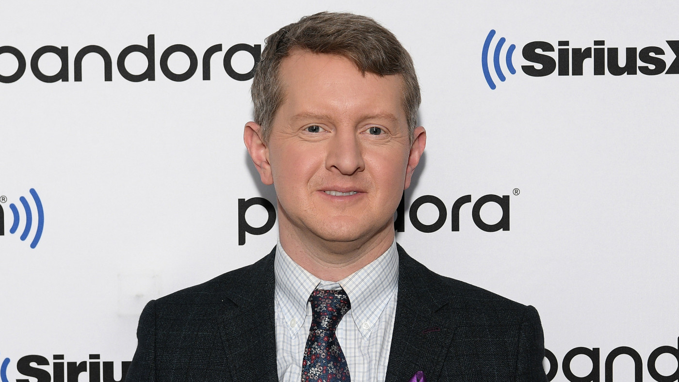 'Jeopardy' Interim Host Ken Jennings Apologizes for Past ...