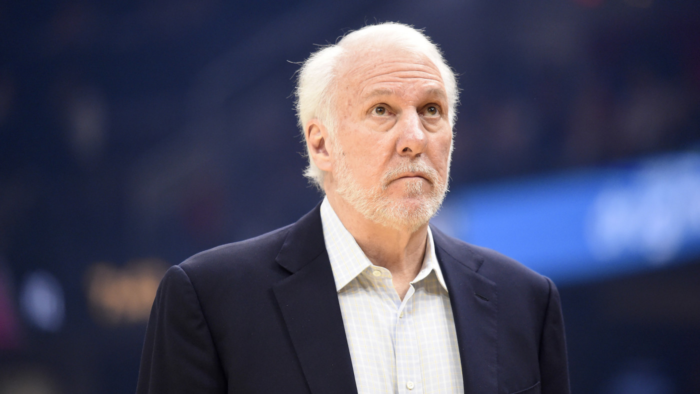 Gregg Popovich watches the scoreboard during first half against the Cavaliers.