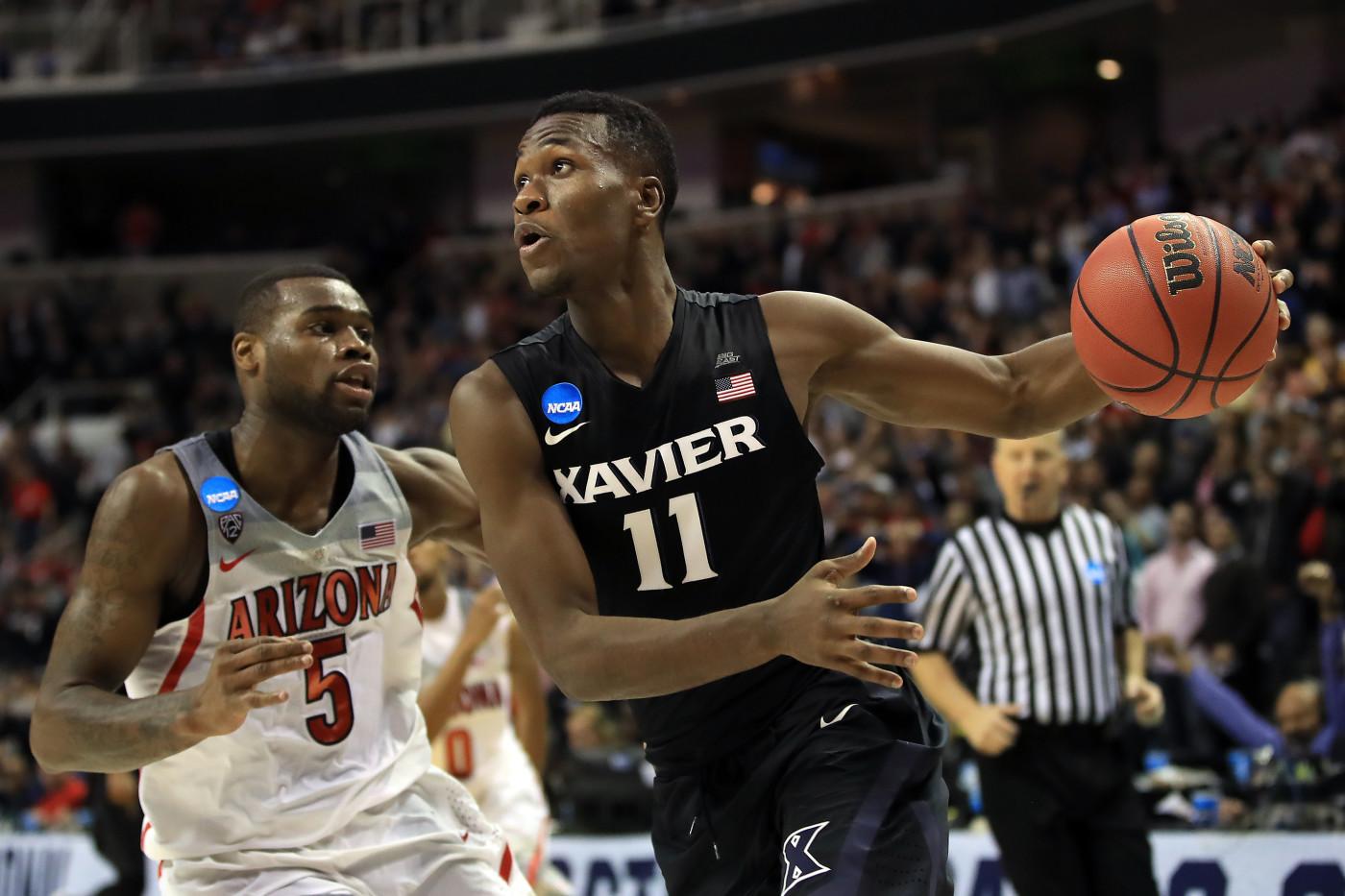 Malcolm Bernard avoids Arizona player during 2017 NCAA tournament game