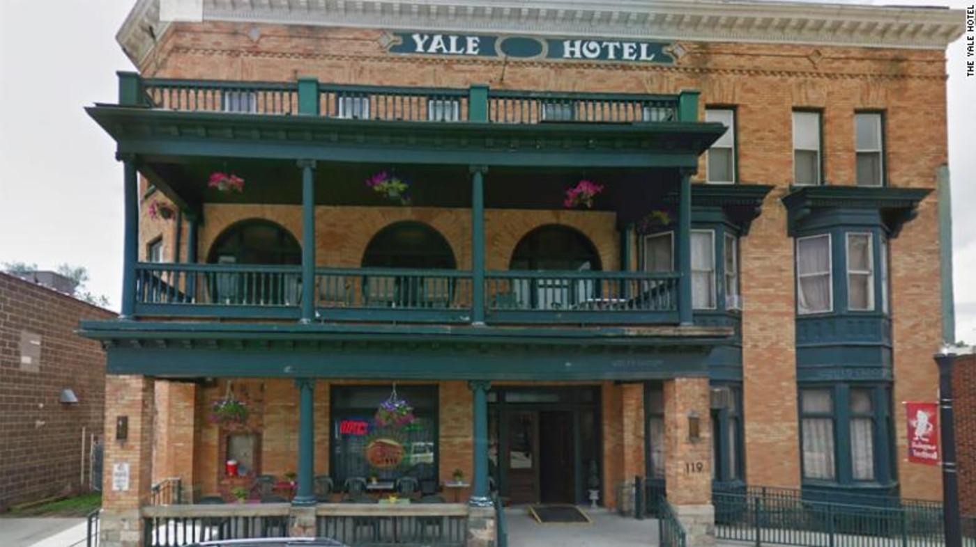 yale-hotel