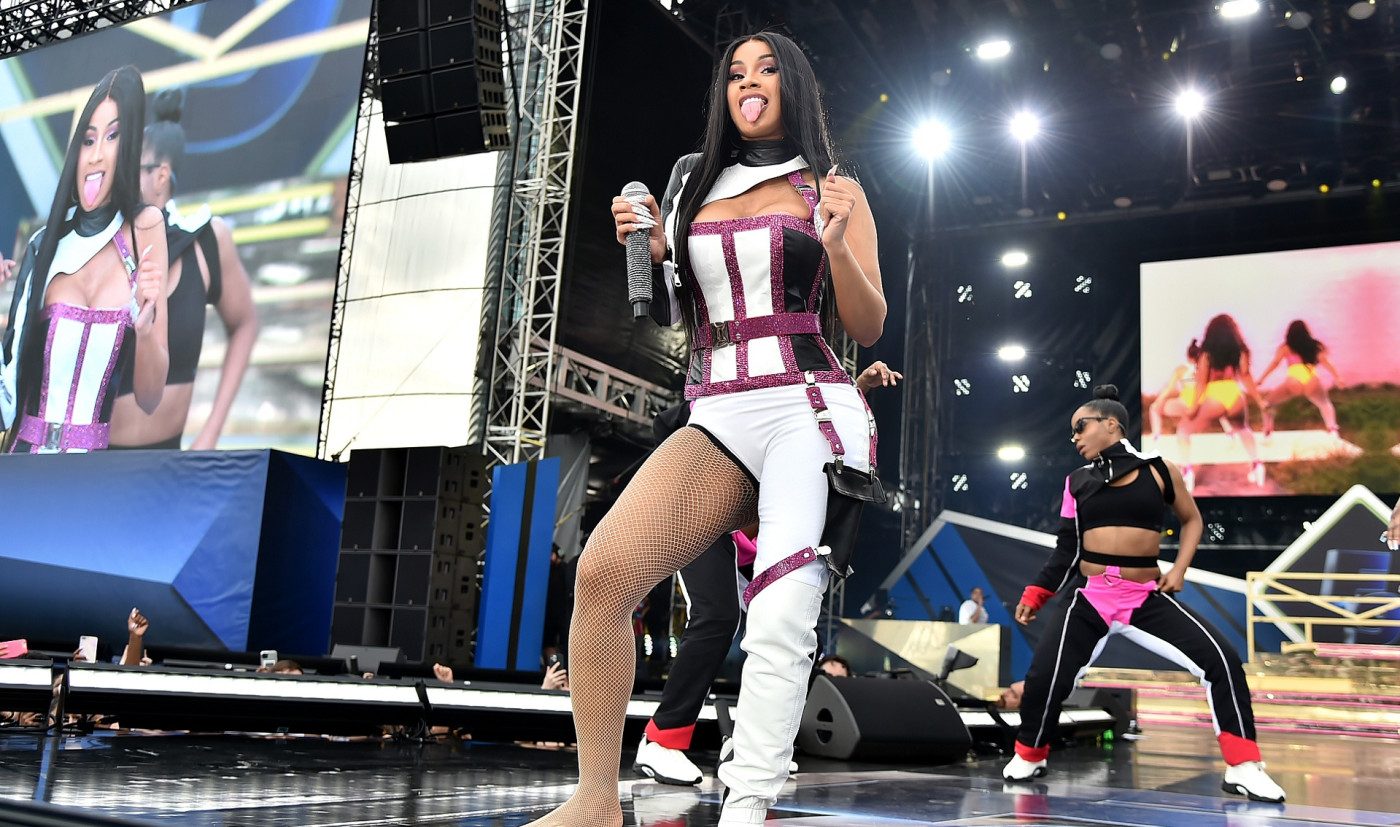 Cardi B Defends Kylie Jenner S Inclusion In Wap Video Following