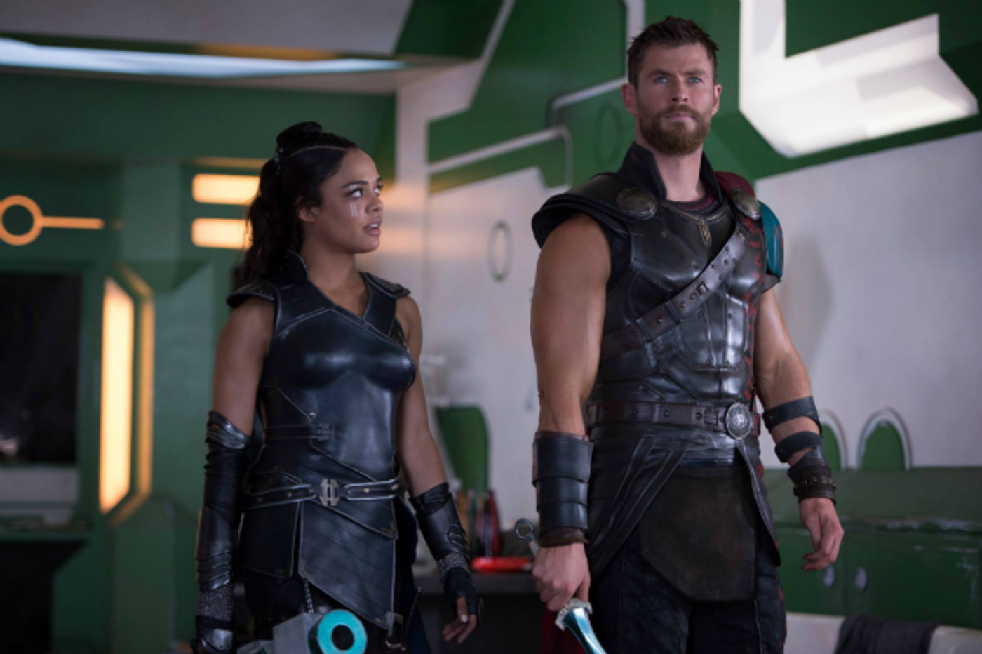 Tessa Thompson and Chris Hemsworth in 'Thor: Ragnarok'