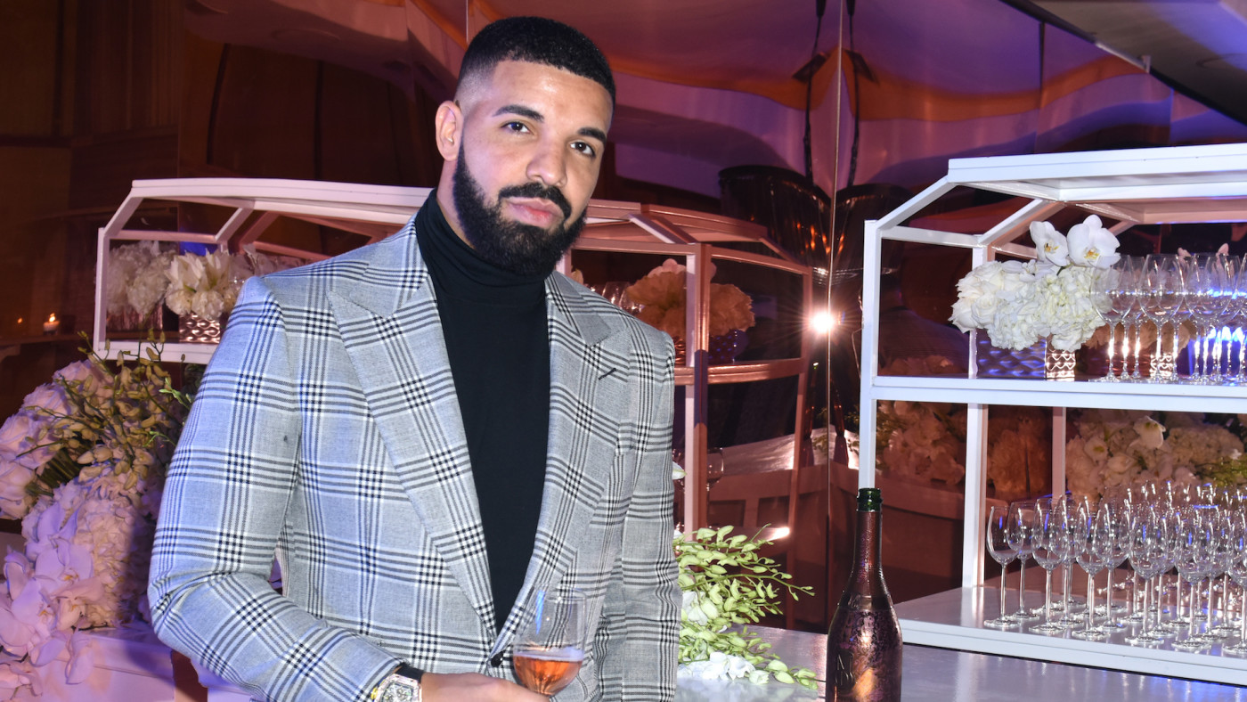 Drake at a Mod Selection-sponsored New Year's Eve party