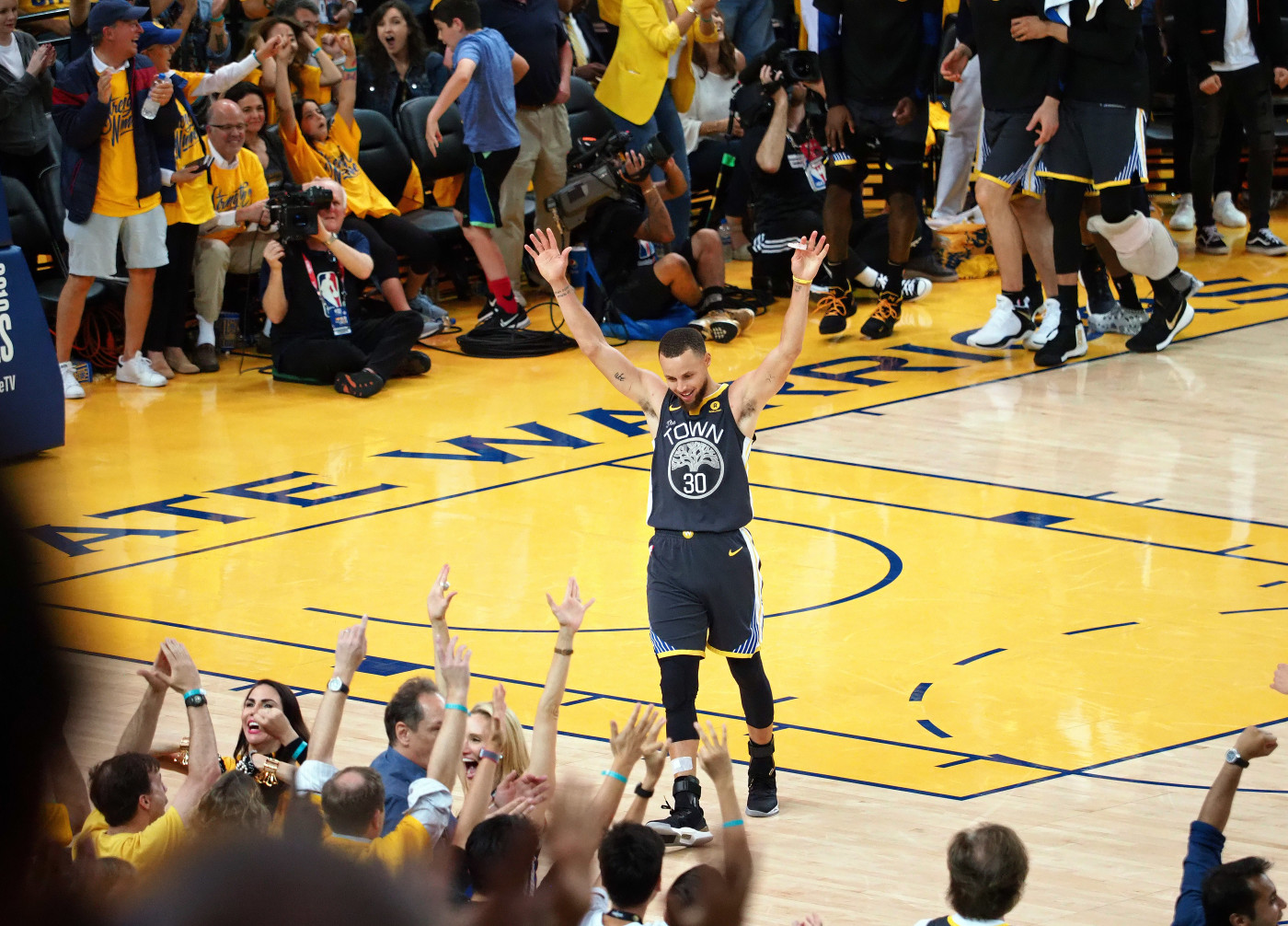 Steph Curry Warriors Game 2 NBA Finals 2018